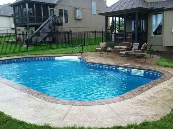 Prix piscine enterrée 8x4 : Comparez les Piscinistes