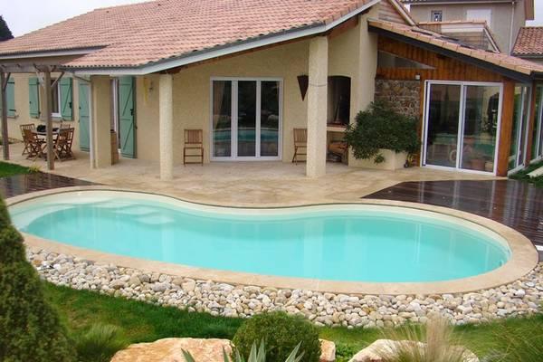 Prix piscine pierre naturelle : Comparez les piscinistes de votre région
